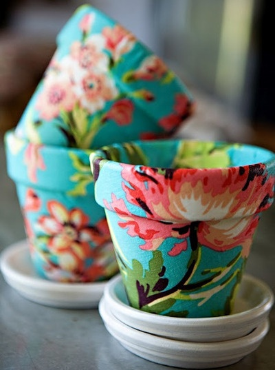 Floral pots: Terra Cotta, Idea, Terracotta Can, Mod Podge, Flowers Pots, Modpodge, Fabrics Flowers, Clay Pots, Fabrics Covers