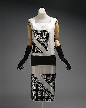 Dress Design House: Drécoll (French, founded 1900) Date: ca. 1924 Culture: French Medium: silk, wool