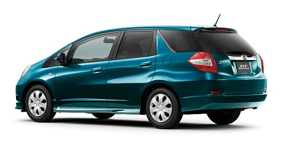 New Honda Fit Shuttle debuts in Japan, hybrid variant available too