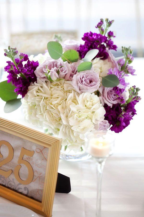 Low centerpiece perfection.  Floral Design by flordelmonte.com