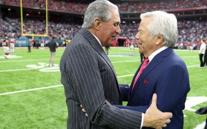 Atlanta Falcons owner Arthur Blank and New England owner Robert Kraft talk before Super Bowl 51.