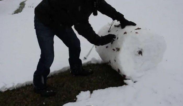 7 Brilliant Snow Shoveling Hacks To Fix Your Winter Troubles
