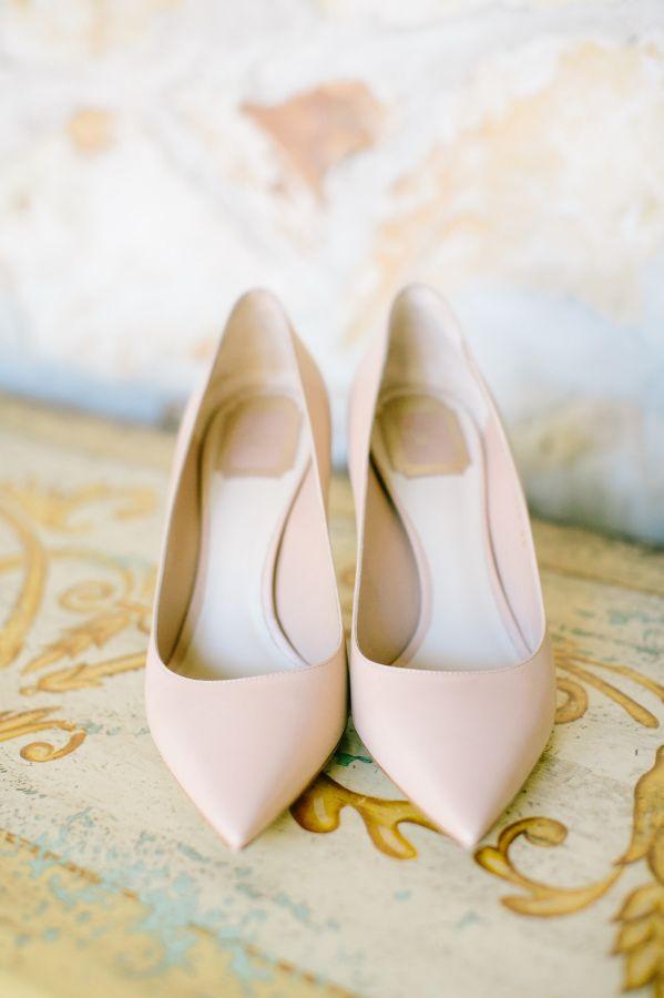 Chic pointed toe nude heels: http://www.stylemepretty.com/california-weddings/carmel-valley/2015/09/15/charming-elegant-holman-ranch-wedding/ | Photography: Mirelle Carmichael - http://mirellecarmichael.com/