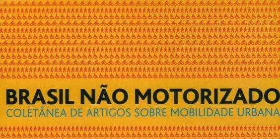 """""""Brasil Não Motorizado"""", coletânea de textos sobre mobilidade urbana assinados por 17 profissionais da área e dedicados a temas como bicicletas, calçadas e acessibilidade no espaço público. Exemplos de trabalhos concluídos recentemente ou que estão em fase de implantação, além de projetos em estudo que poderão ser aplicados pelos órgãos públicos regionais ou por gestores particulares."""