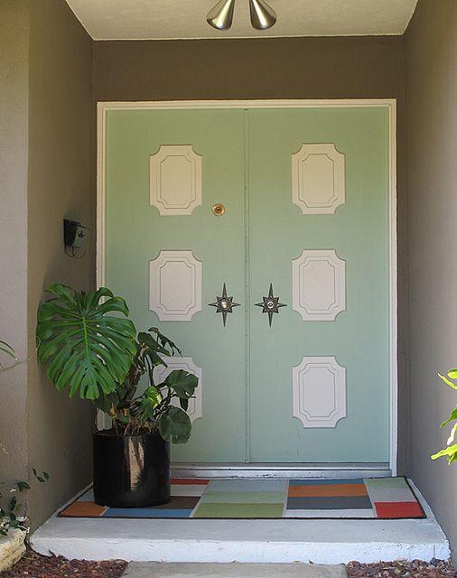 Mid Century Modern Front Door Love The Colors And Starburst Door Handle Frames Painted