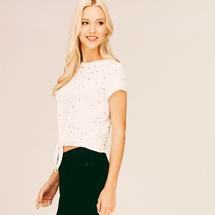 White tees are an essential for every girls closet! 😎