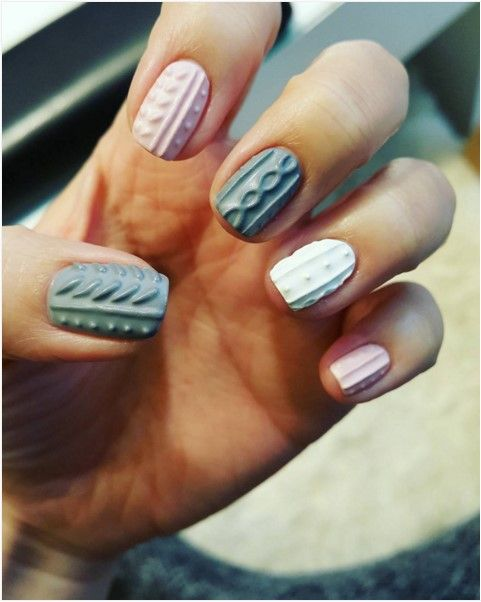Sweater nail art