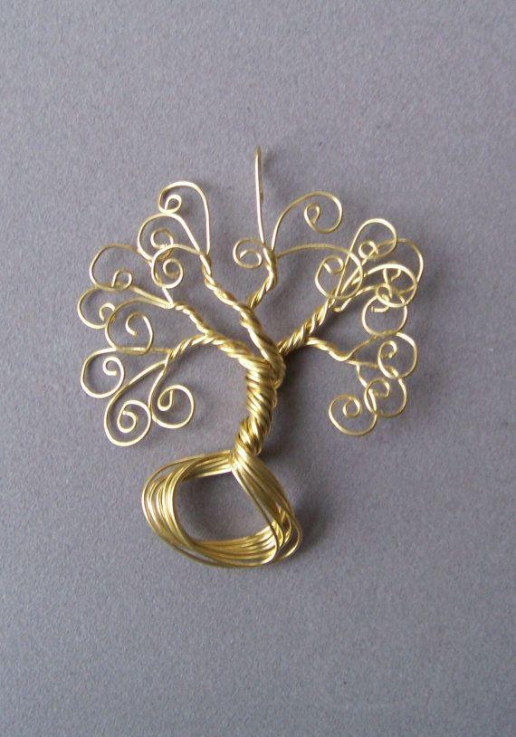 Collier pendentif en fil de laiton enveloppé arbre de par deleas