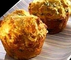 bacon, kaas en mielie ontbyt muffin