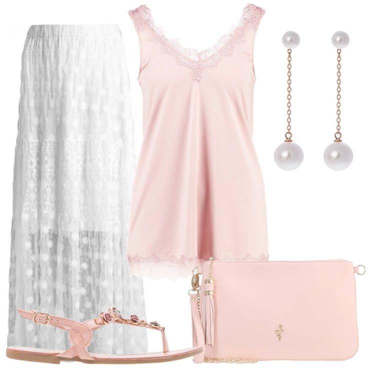 Top rosa smanicato con scollo ampio a V, gonna lunga bianca con sottoveste, sandali infradito in finta pelle rosa con applicazioni in pietra, pochette rosa con dettagli dorati, orecchini con perle sintetiche.