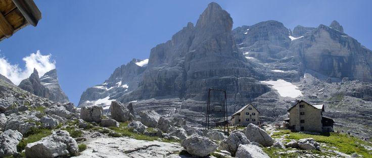 Rifugio #Tuckett tra le Dolomiti di Brenta