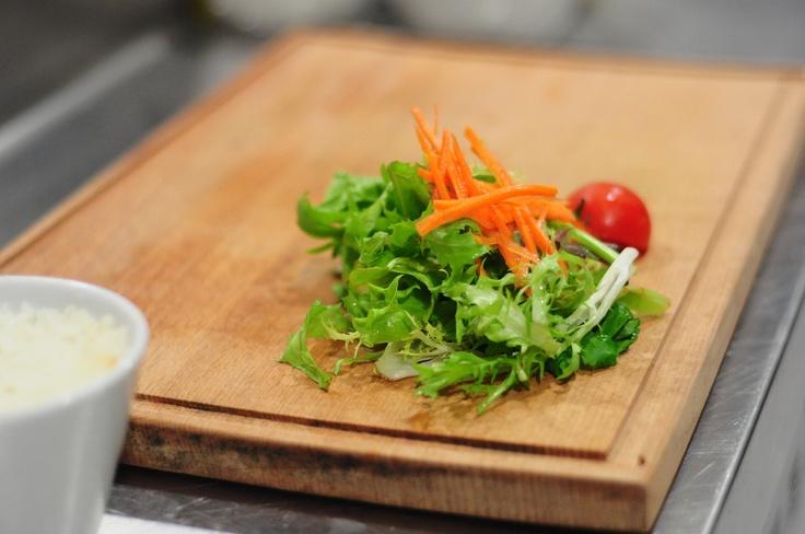 Salata Hazırlığındayız.:)