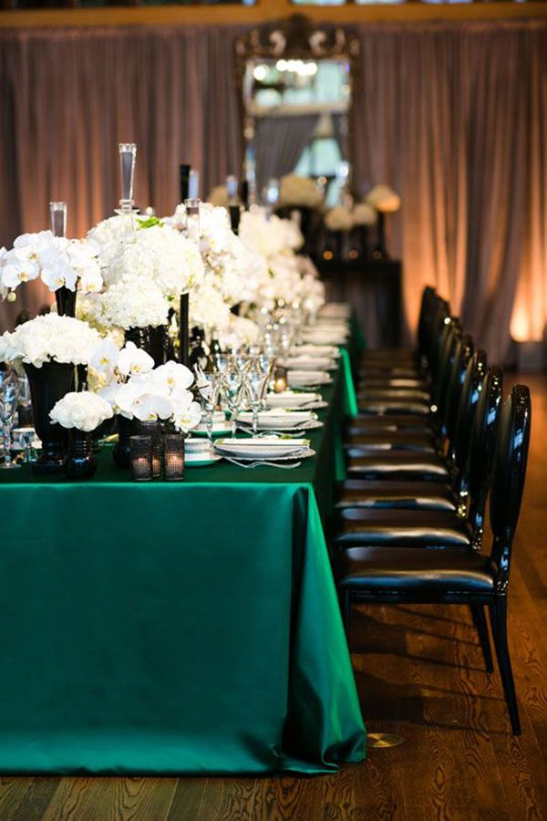 Glamorous Emerald, Black, and White Wedding Table with Lamour Boxwood Linens from Napa Valley Linens | Green Linens