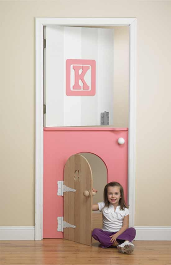 How much fun would the girls have with this bedroom door?!