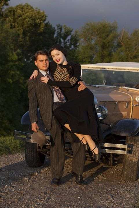Still of Holliday Grainger and Emile Hirsch in Bonnie and Clyde (2013)