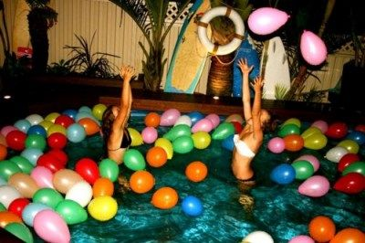 Cute pool party idea @Amanda Snelson Dail @Cassie G Steele ... bday pool party!!!