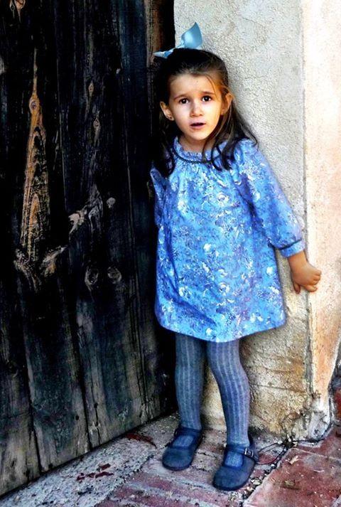 ¡Gracias Manuela!  'Preciosa' se queda corto para describir lo bonita que está con el Vestido Alba de La casita del lago Shop......  Si queréis uno igual para vuestra niña, lo podéis encontrar aquí:  http://www.lacasitadellago.net/tienda/vestido-blanch/