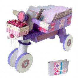 Expositor triciclo para niñas, perfecto para presentar y regalar detalles para comuniones  o eventos
