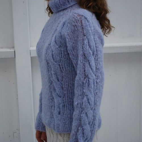 Knitted sweater with cables for girls