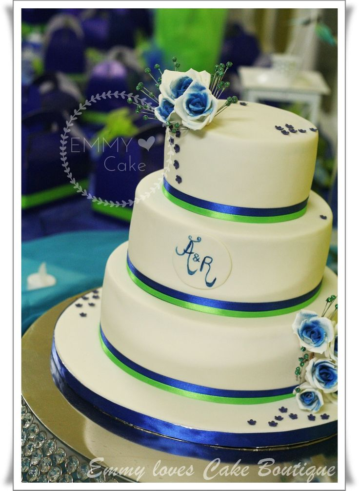 blue green and white wedding cakes white royal blue and lime green details on the wedding 11988