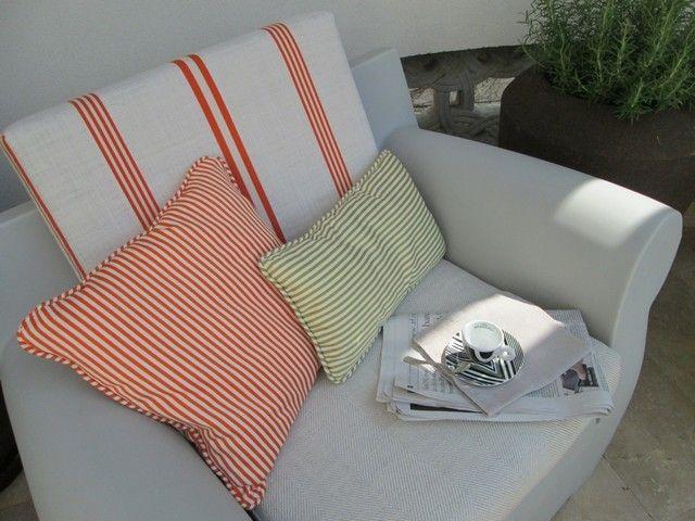 #PascalDelmotte #interiordesign #design #decorating #residentialdesign #homedecor #colors #decor #designidea #terrace #chair #pillows