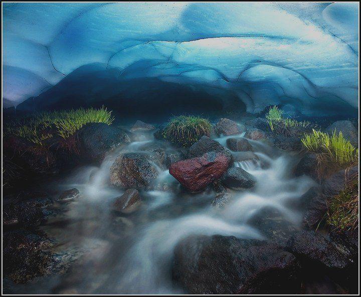 ice cave at #ThreeSistersWilderness