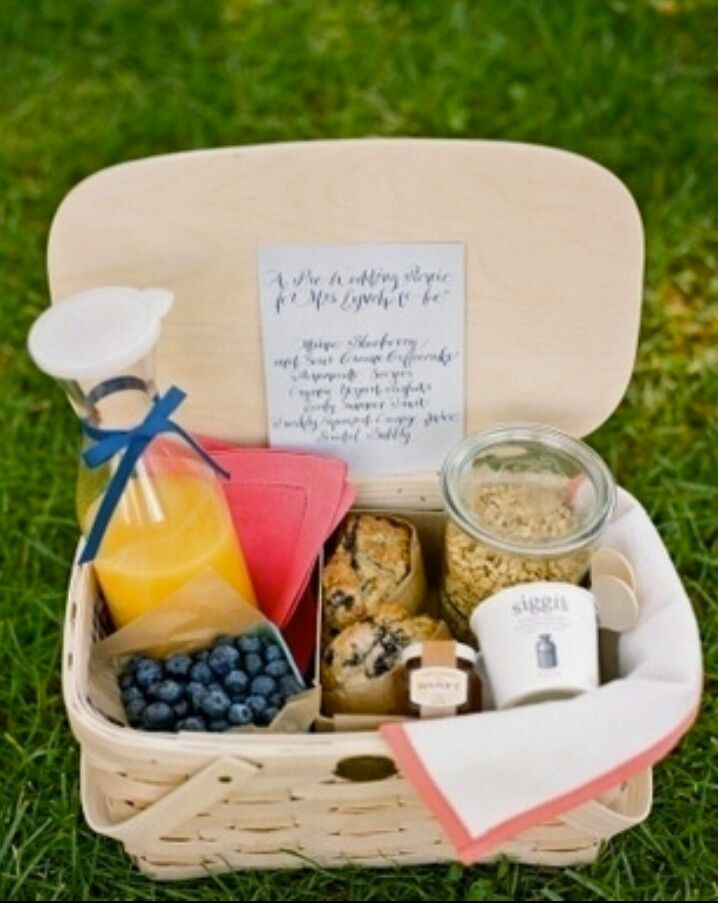 Picnics and granola. My two favorite things.