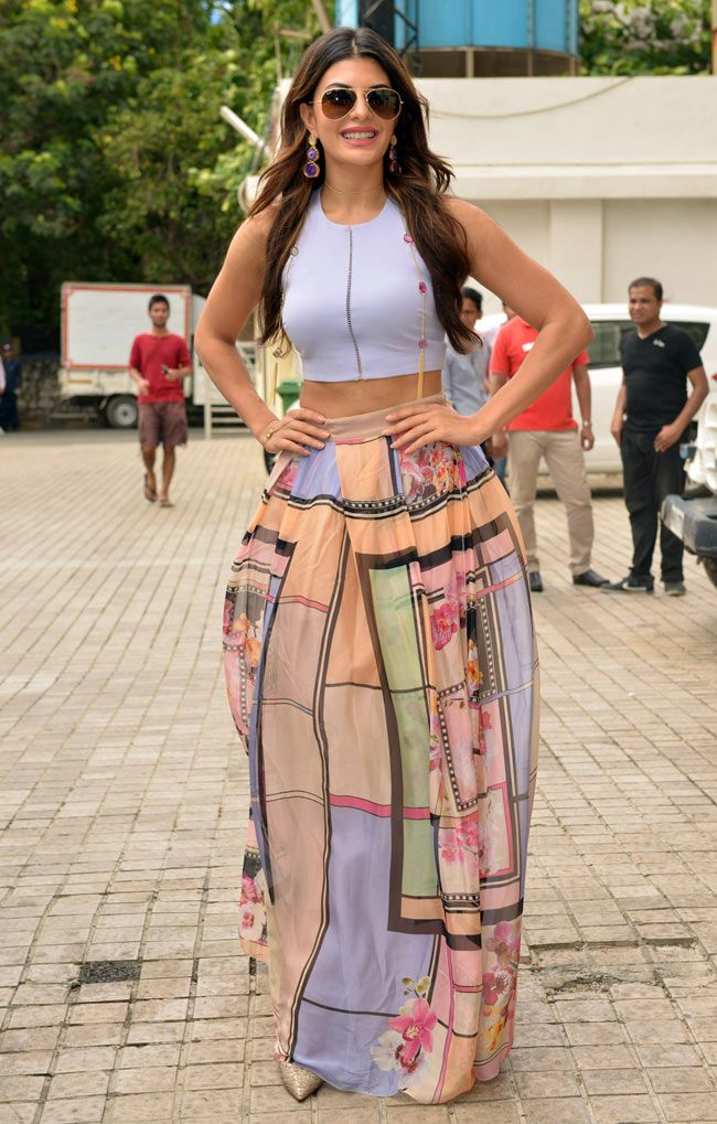 Jacqueline Fernandez looking lovely in a graphic print skirt teamed up with crop top at the trailer launch of 'Brothers'. #Bollywood #Fashion #Style #Beauty #Sexy #Hot