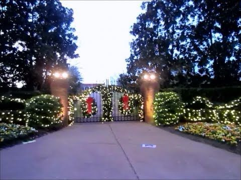 Dolly Partons Home Decorated for Christmas