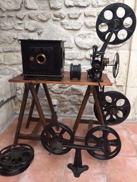 Online veilinghuis Catawiki: Oude filmprojector met zwengel - begin 20e eeuw