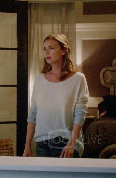 Emily VanCamp Emily Thorne Revenge S04E01 Renaissance