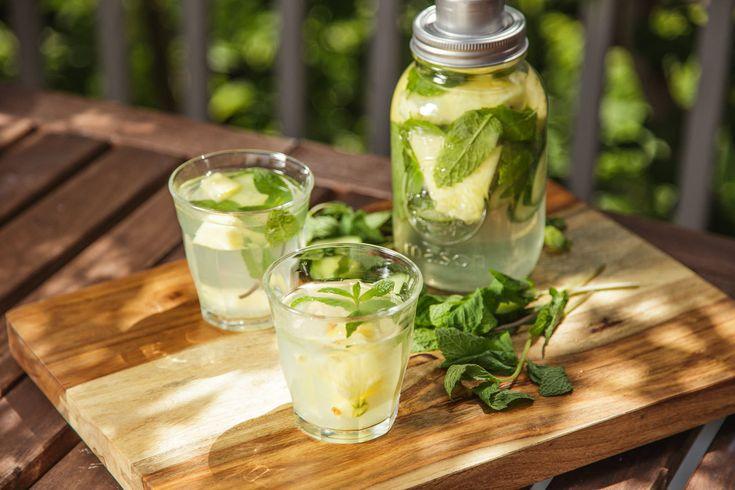 Vodka infusée à l'ananas | Recette | BOIRE