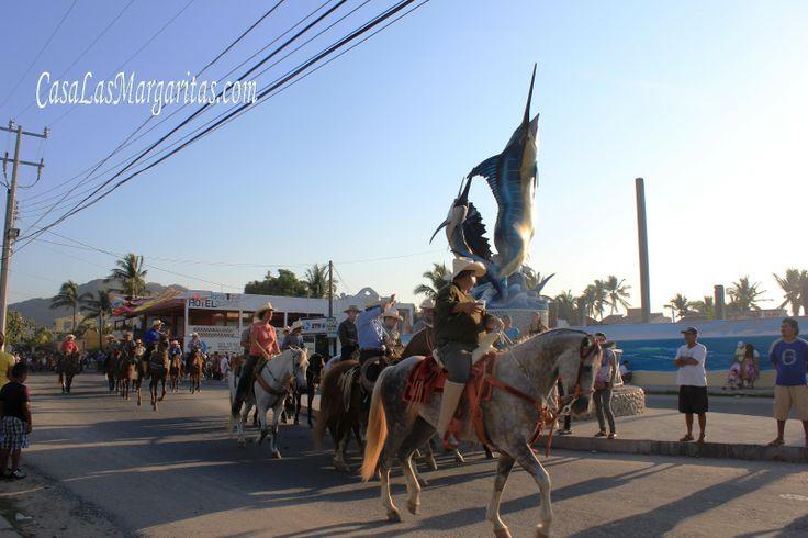 barra de navidad | carnaval costalegre mardi grass parade in barra de navidad jalisco
