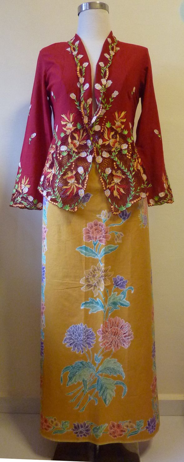 gold fish red kebaya and stamp sarong bird-butterfly yellow