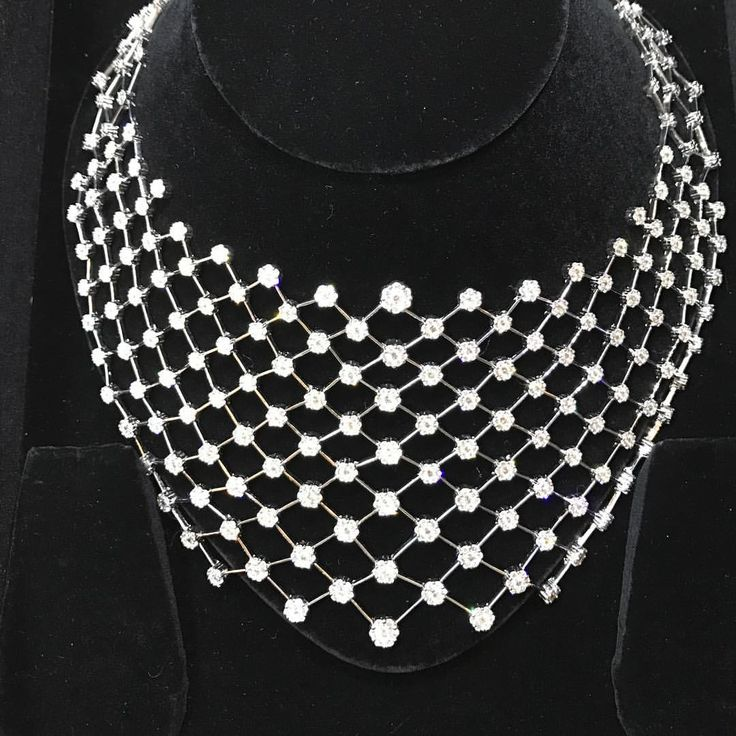 We Created this Magnificent Necklace for a Client on her Reception Day, When it came out we were stunned ourselves. She couldn't resist while the Earrings were in process. #clientdiaries #choker #neckline #necklace #bigset #diamonds #bigwomenwearbigdiamonds #hotshot #amazing #bridal #weddingaffair #bridaljewelry #highend #brand #dubai #newyork #newdelhi #ludhaiana #jalandhar #indore #weloveourcustomers #trendsetter