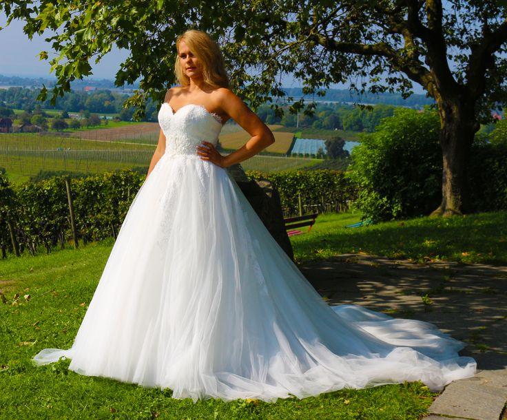 Luxus Brautkleid Hochzeitskleid NEU Braut Spitze Brautkleider