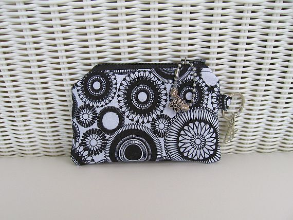 10 OFF HOLIDAY SALE  Large Coin Purse / Change by KthysKreations, $8.10