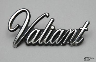 2005/67/7 Automobile badge, 'Chrysler Valiant', chrome, made by Chrysler Australia Limited, Australia, 1962-1981 - Powerhouse Museum Collection