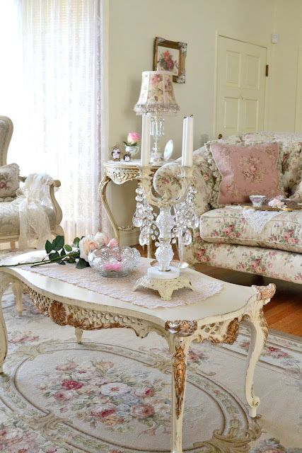 OH my goodness, sweet romantic living room. Do people actually live like this or is it a fairytale place!