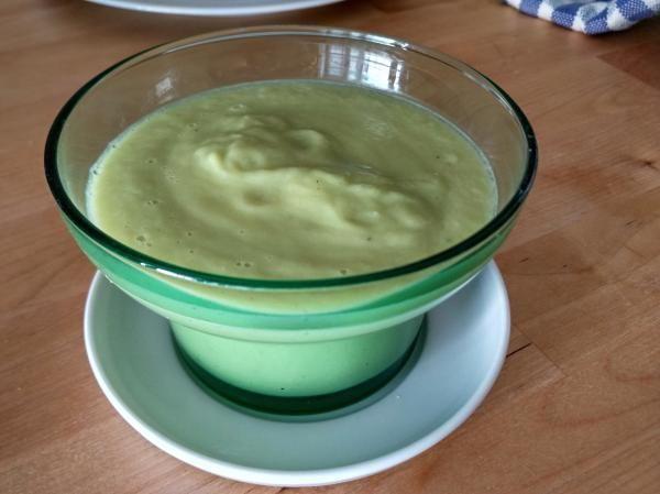 Receta de Crema fría de calabacín con aguacate