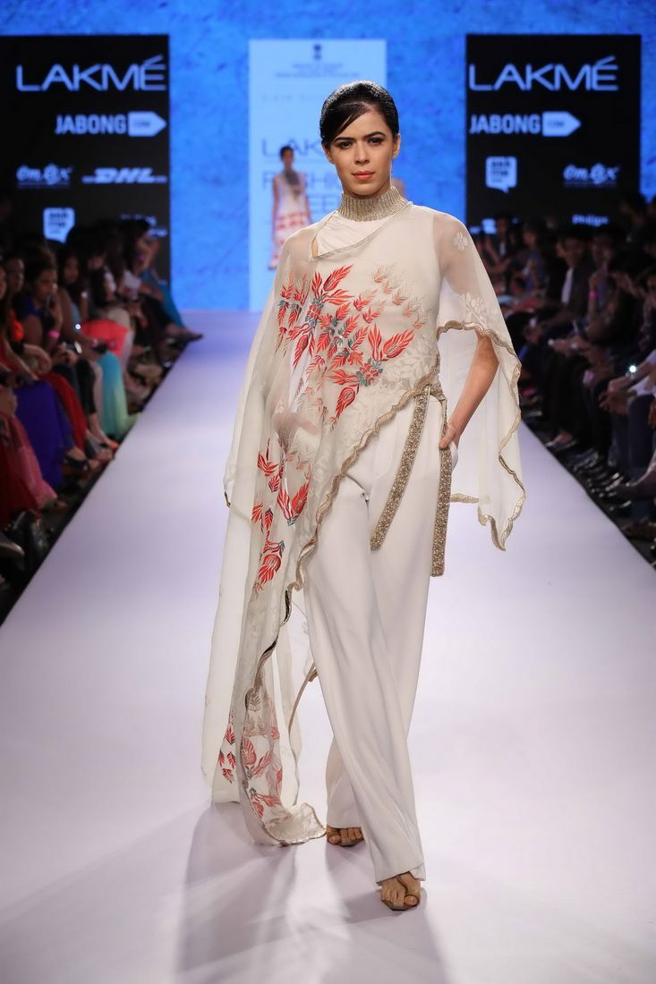 Lakmé Fashion Week – KIRAN UTTAM GHOSH AT LFW SR 2015