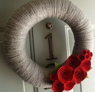Rock, Paper, Scissors, Craft: WHAAAT!? A Pool Noodle Wreath!?