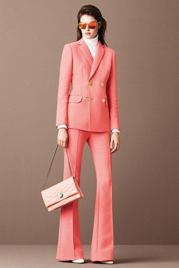 Розовый брючный костюм – офисная мода 2016 – фото Bally