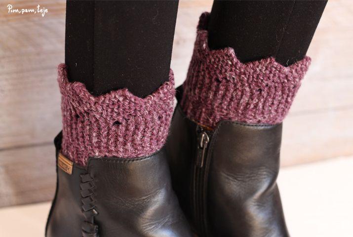 Patrón gratuito para tejer unos sencillos calentadores para botas o botines. Patrón y foto tutoríal para que puedas tejerlos de la forma más sencilla. Entra en el blog y disfruta tejiendo.