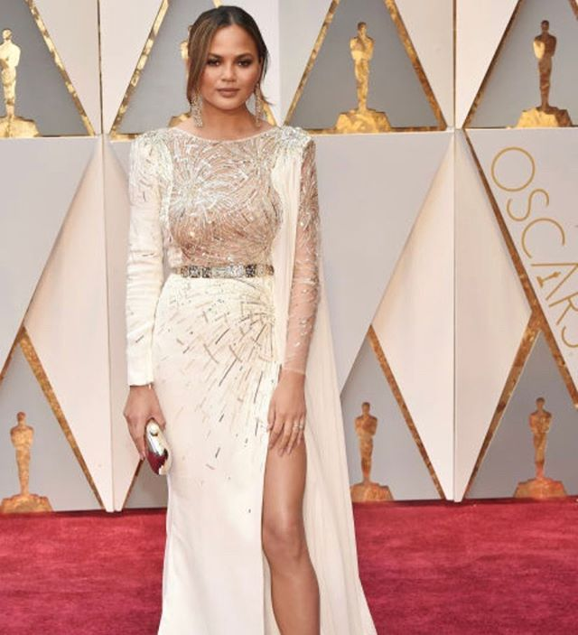 Red carpet @oscars2017ig @crissyteigen  southernsoireestyles@gmail.com We would love to FEATURE YOUR work Contact us today! *************************** #Houston #Dallas #Weddings #BrideToBe #HoustonBrides #HTown  #IDO #BridalGowns #Dallasmagazine  #DallasBrides #DallasWeddings #BridesOfNorthTexas #luxury #luxuryweddings #DallasEvents #Events #HoustonWeddingPlanner #DallasWeddingPlanner  #eventplanner #Florals #Venues #Weddingcake #weddingsinHouston  #dfwbrides #weddingflowers  #TheKnot…