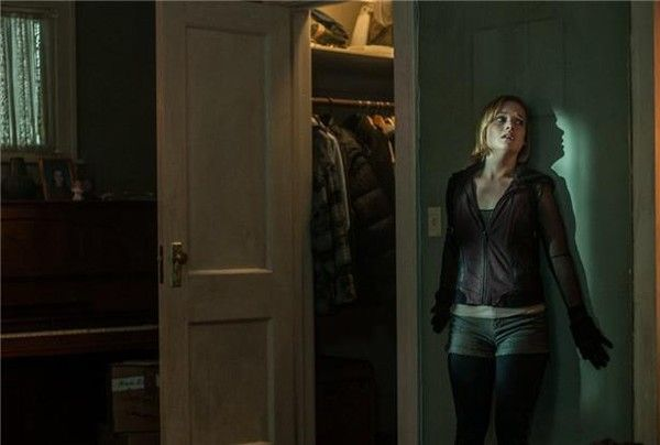 Watch Dont Breathe Online Free  Movie Detail Stars: Alex, Money, , Trevor,  As: Alex, Money, , Trevor,  Director: Ghost House Pictures, etc min - Horror - 2016-08-26 (USA) Rating : PG-13 Dont Breathe Movie Storyline A trio of reckless thieves breaks into the house of a wealthy blind man, thinking they'll get away with the perfect heist. They're wrong.