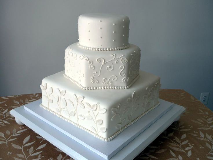hexagon wedding cake servings best 25 hexagon wedding cake ideas on pastel 15218