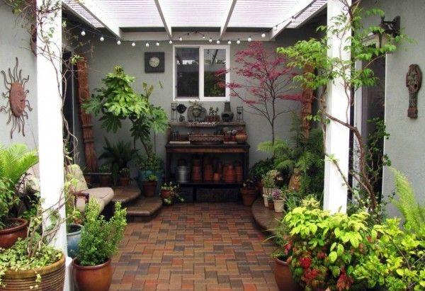 Lovely small garden courtyards designs