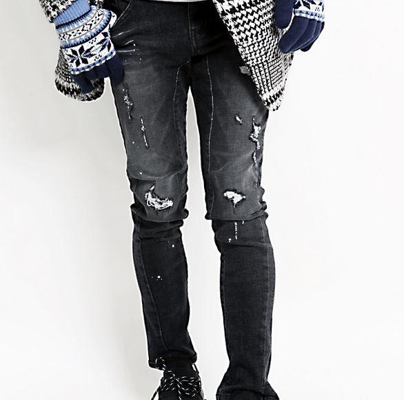 Korea men fashion mall, Hong Chul style [NOHONGCUL.COM GLOBAL] Black denim damage Span / Size : S,M,L / Price : 88.69 USD #NOHONGCUL_GLOBAL #OOTD #unique #dailylook #jeans #damagedenim #denim