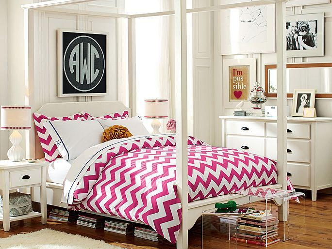 Girls want hot pink and turquoise in their room....how would this look in bunk beds with one on top & other on bottom bunk?  Too busy?